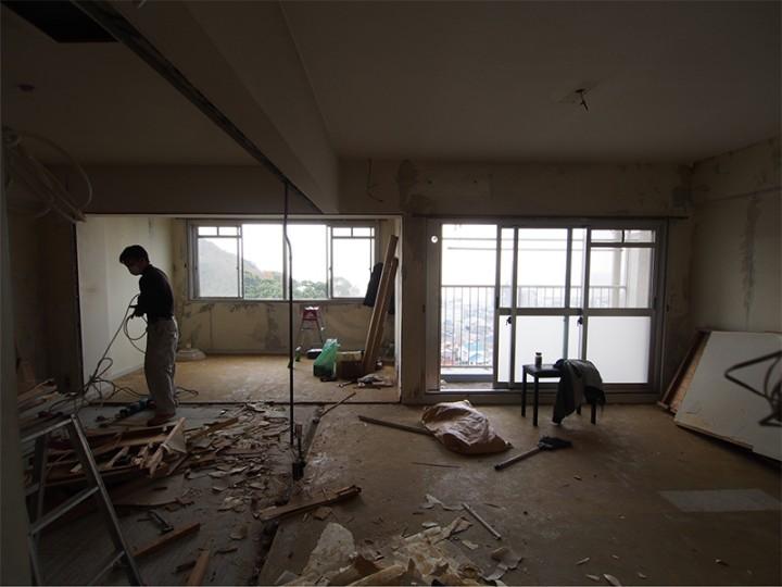 2DKだった室内の間仕切り壁を壊して1LDKにした。