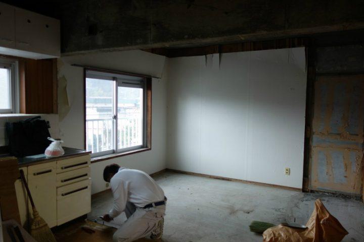 【解体】北部屋の壁・押し入れ・畳を撤去し、ひとつの広い空間に。