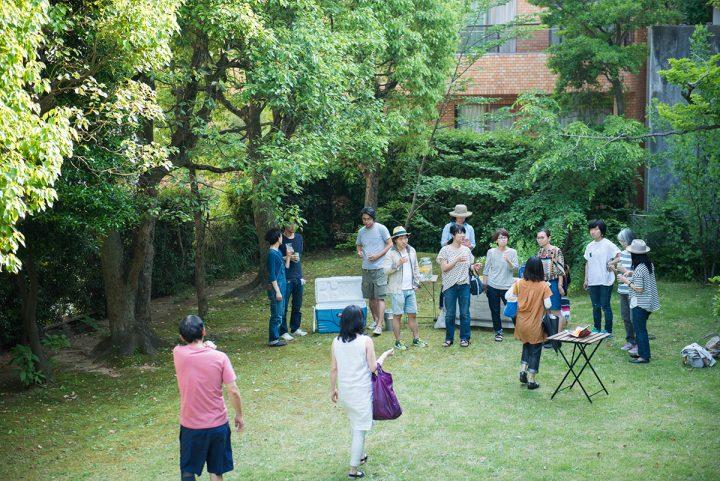 団地専用の素敵な庭で休憩を兼ねた懇親会がありました。